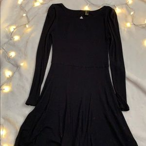 Black ribbed dress